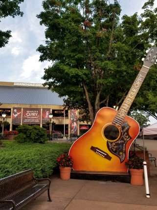 13 Not-to-Miss Experiences in Nashville, Tennessee - Grand ole opry