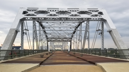 13 Not-to-Miss Experiences in Nashville, Tennessee - foot bridge